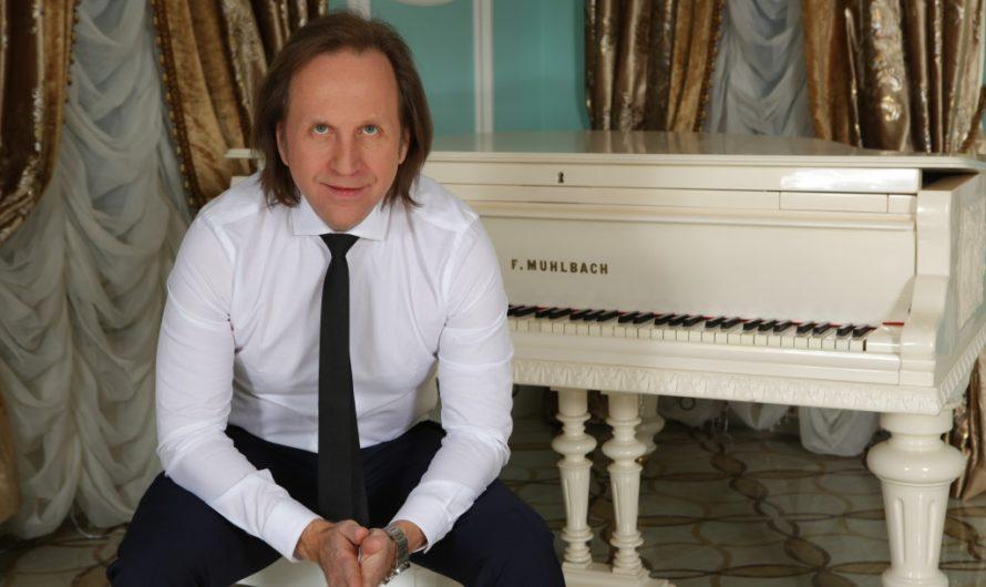 «Почему я стал петь сам». Олег Попков — композитор, поэт, продюсер